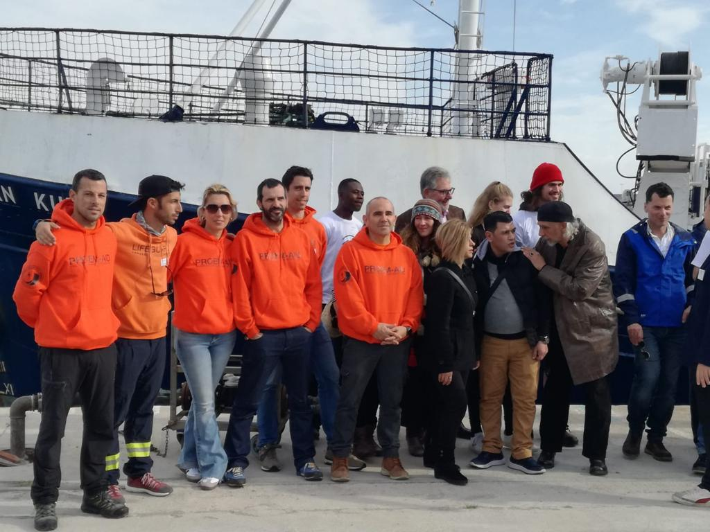 Botadura del barco AlanKurdi y equipo de rescate proemaid
